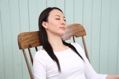 【居眠り】美容院でウトウト寝るのって迷惑?美容師の本音は・・・
